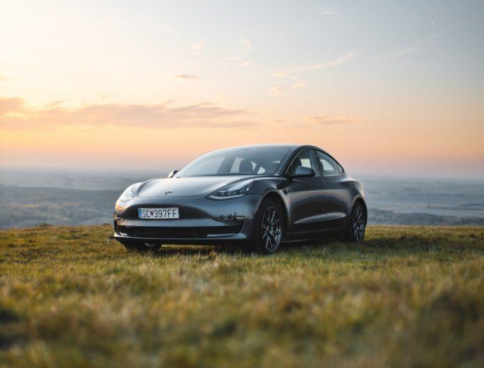 carros-eletricos-Tesla (1)
